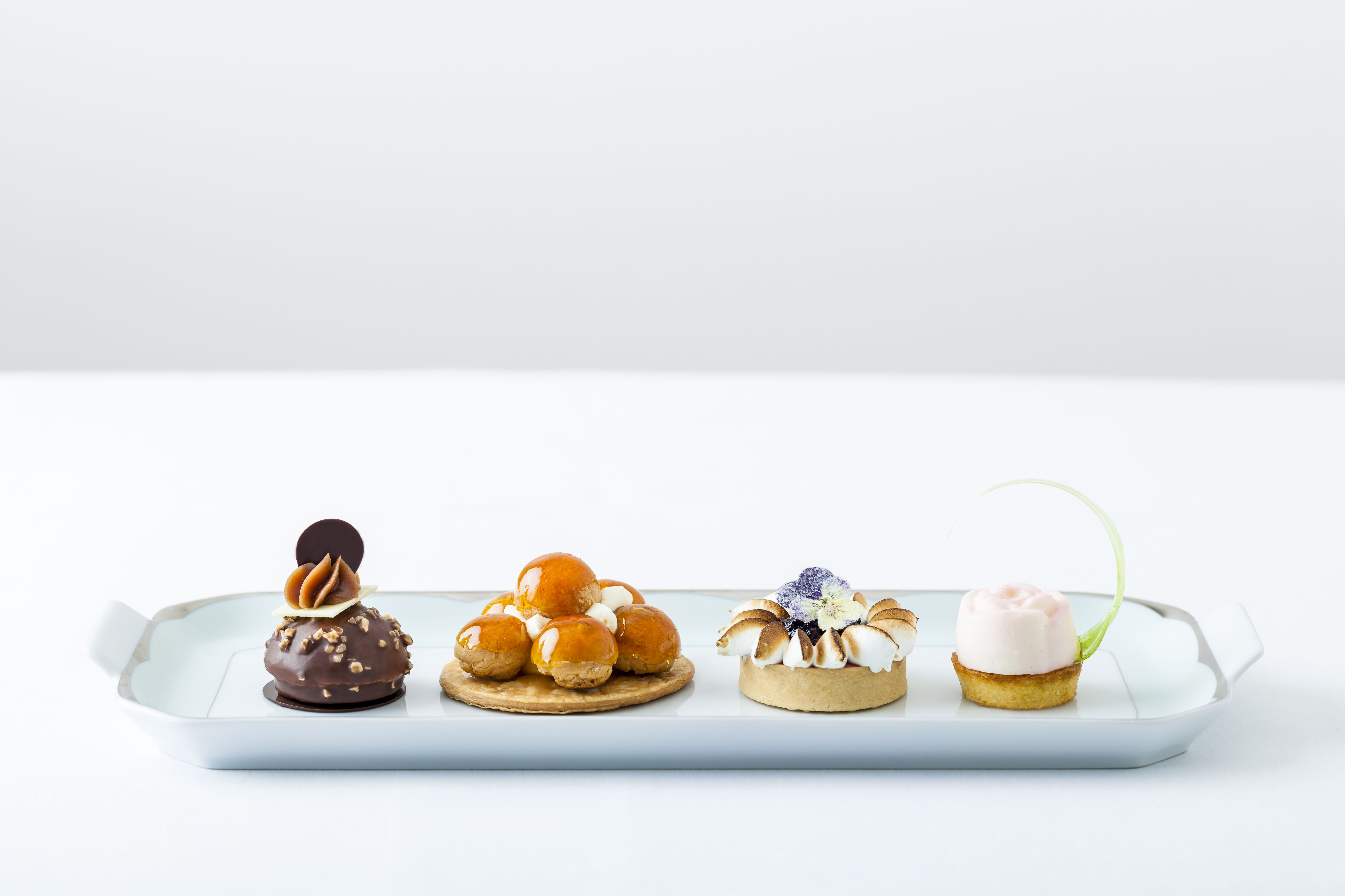 the-dorchester-afternoon-tea-pastries-highres-fullplate2